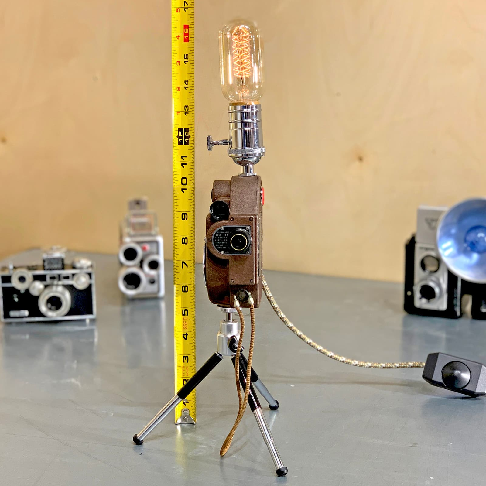Measurements of Rosie's Workshop original Revere Model 88 Camera Light – Samuel Briskin: Man of the factory floor. All parts are UL component listed (c UR us) for United States and Canada.